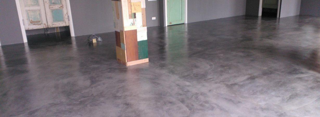 OAD-gepleisterde_dekvloer_als_betonlook.jpg - Terazzo en vloerenbedrijf Traas - Heinkenszand