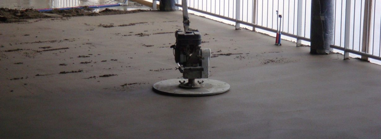 cementdekvloer-leggen-prijs.jpg - Terazzo en vloerenbedrijf Traas - Heinkenszand
