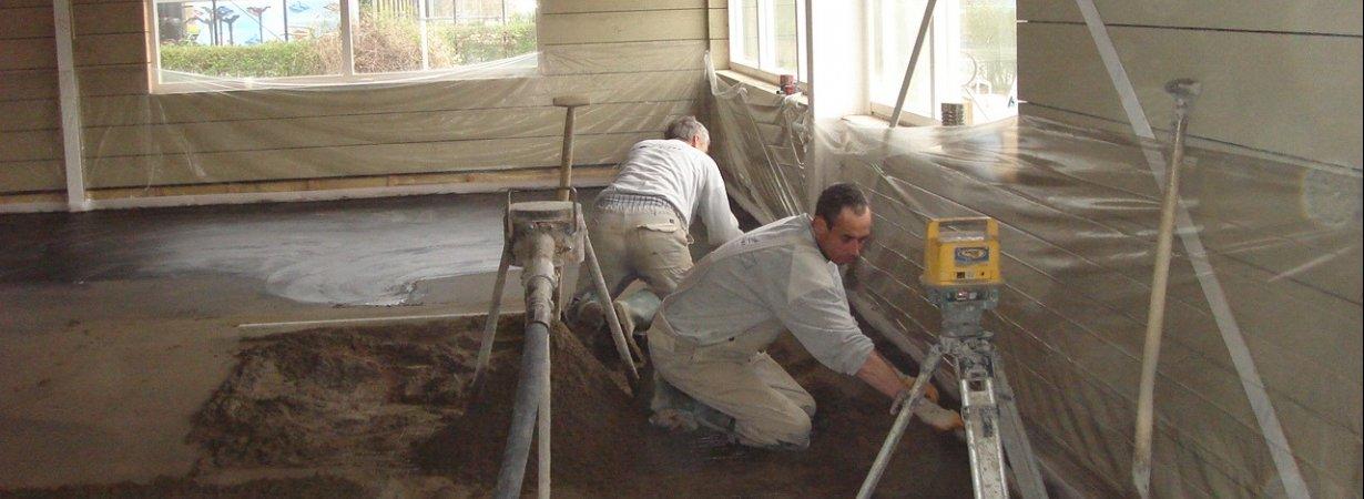 gepleisterde-cementdekvloer-prijs.jpg - Terazzo en vloerenbedrijf Traas - Heinkenszand